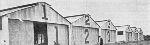 Hangares de la Escuela Militar de Aviacion en Llanos de Balbuena DF