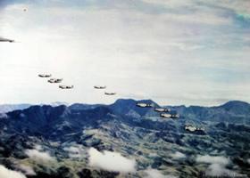 Formacin de los aviones que integraron el escuadrn 201